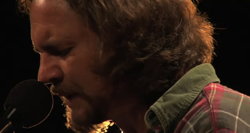 "Eddie Vedder vídeo de ""Longing to Belong"" (Uke Songs)"