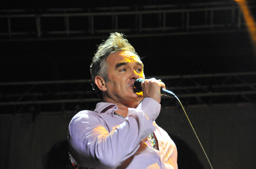 Morrissey versionando Satellite Of Love de Lou Reed en Glastonbury