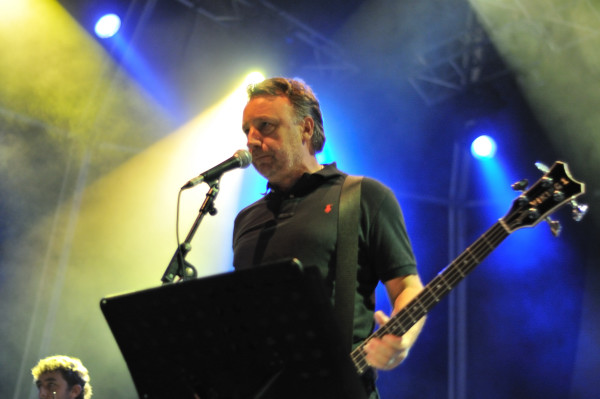 "Escucha ""Pictures In My Mind"", la canción inédita de Joy Division recuperada por Peter Hook"
