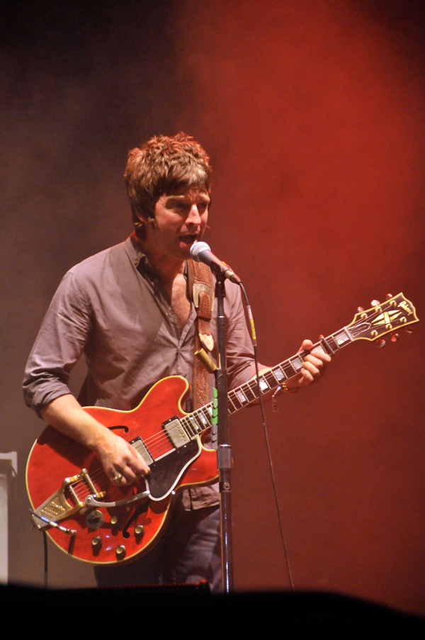 Temazo al mejor estilo Oasis para la cara b del single de Noel Gallagher