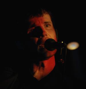 nudozurdo presentan en directo Tara Motor Hembra en Madrid y Barcelona regalando el disco